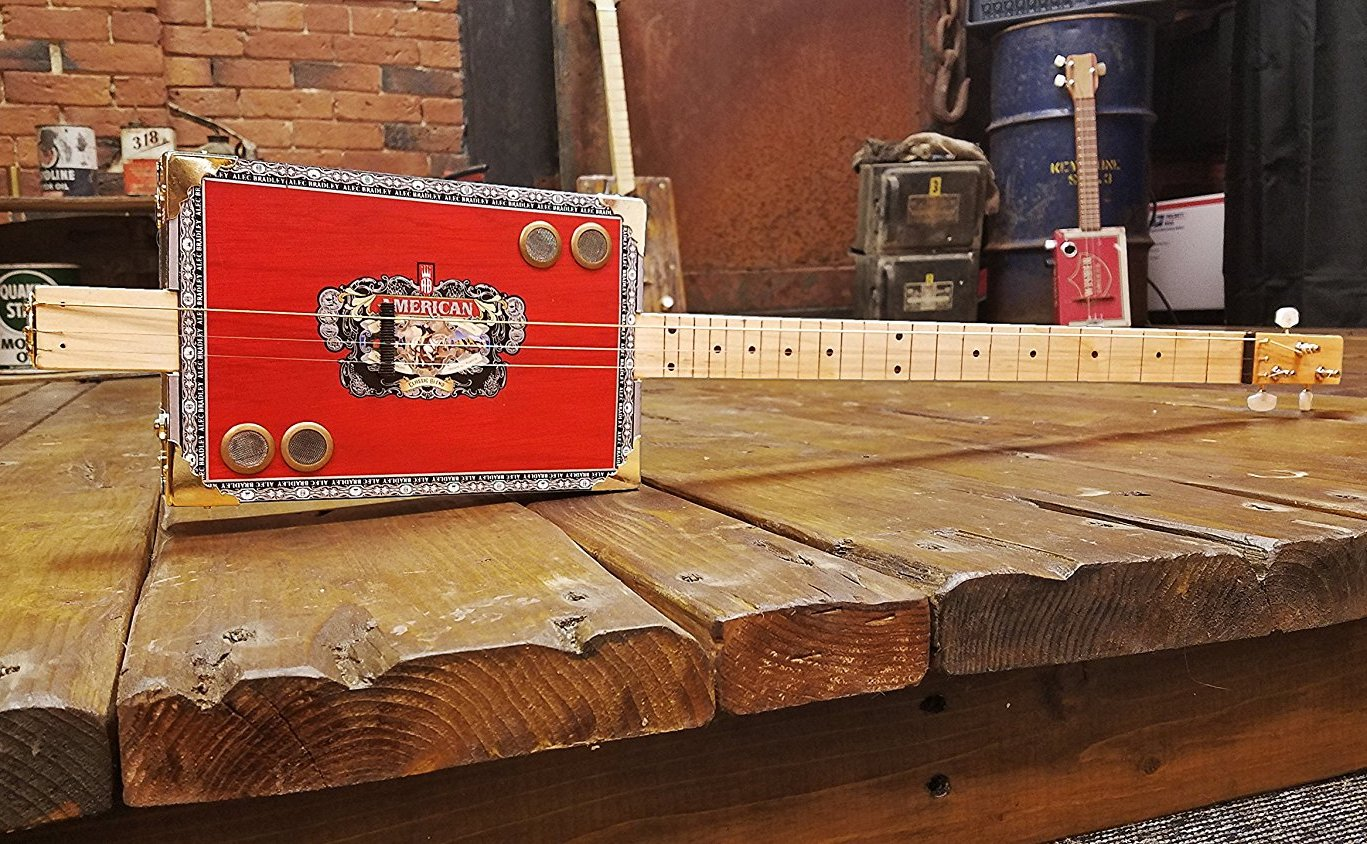 5 diy christmas projects guitarists will love musician tuts cigar box guitar kit solutioingenieria Images
